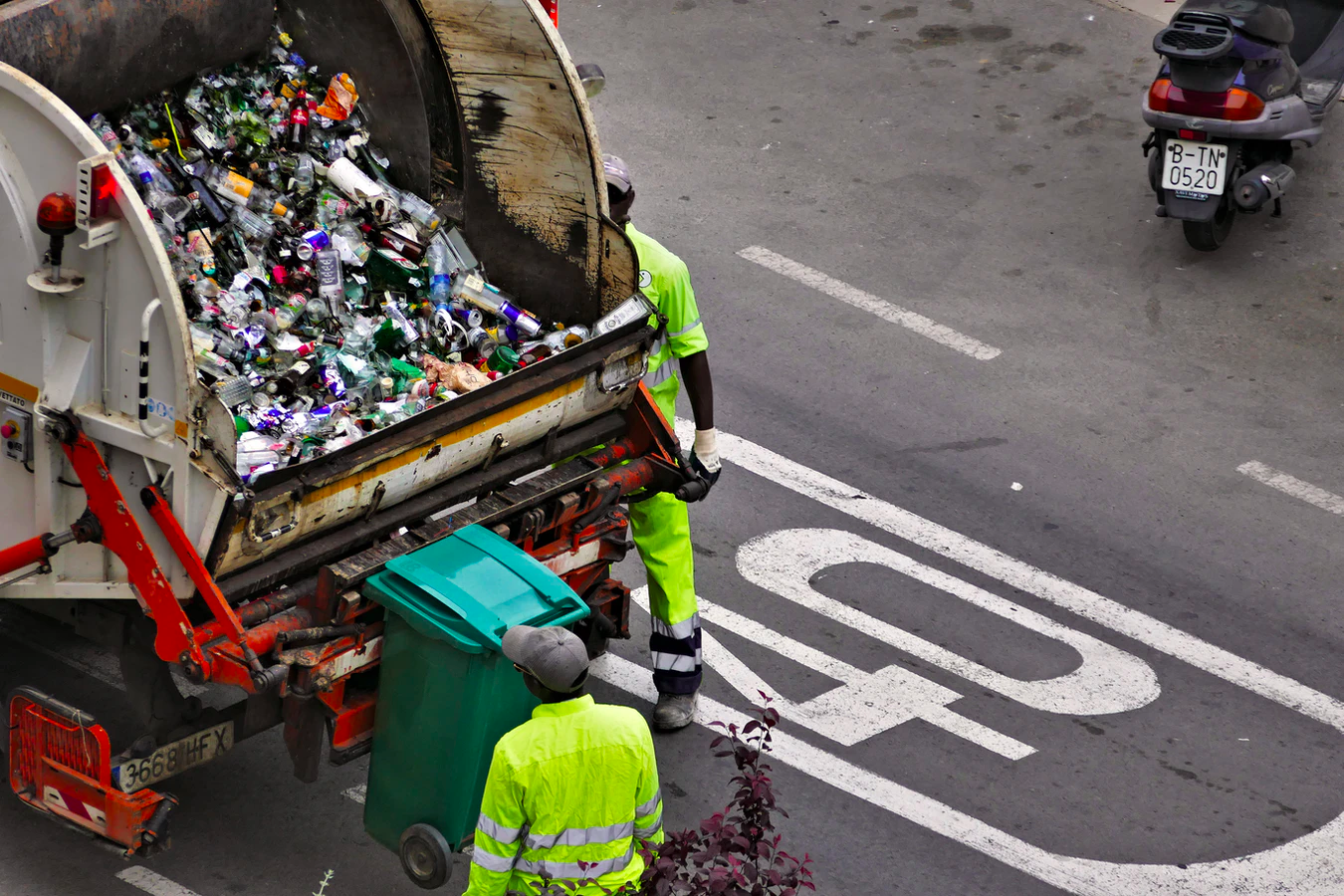 alternatives to recycling, recycling truck