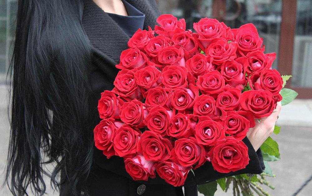 101 роза: подарок, который ждет любая женщина и девушка