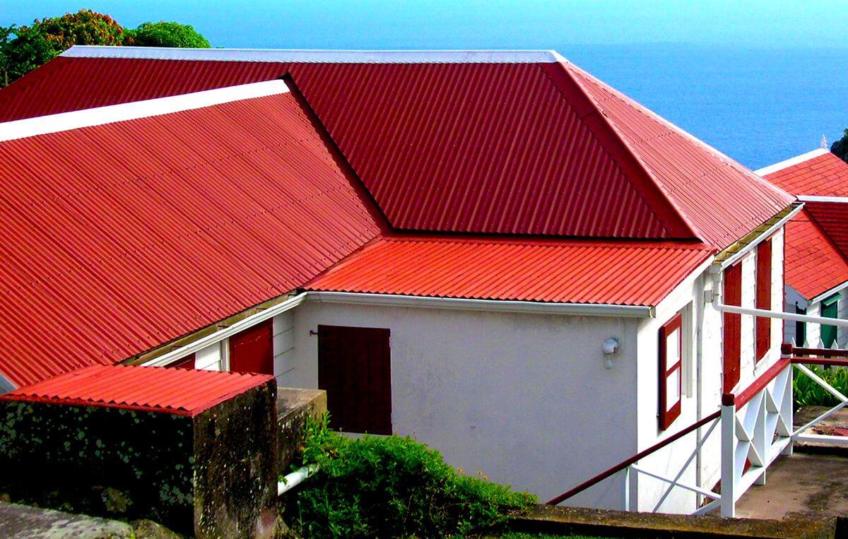 Mái tôn Olympic màu đỏ đậm mang ý nghĩa may mắn cho gia chủ