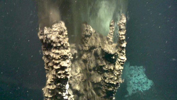 12Mysterious Underwater Objects Very Few People Know About