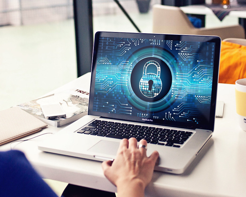 Important Online Security Tips To Keep In Mind When Traveling