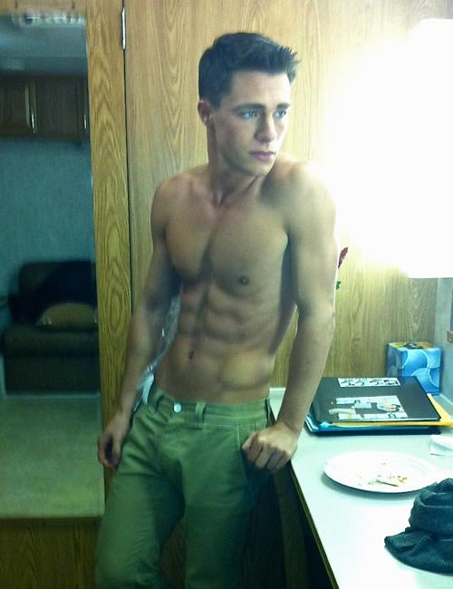 http://www.homorazzi.com/wp-content/uploads/2012/12/colton-haynes-shirtless-arrow.jpg