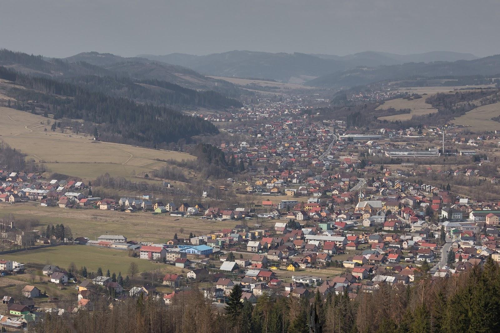 Nepřekonatelně zastavěné údolí řeky Kysuce v pilotní oblasti Beskydy-Kysuce; zdroj: Peter Drengubiak, CHKO Kysuce