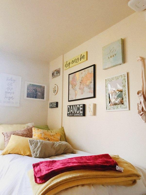 Anna's Dorm Room