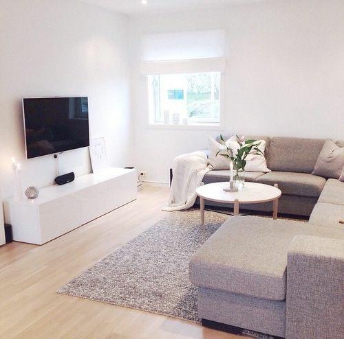Furniture Minimalis pada Ruang Keluarga