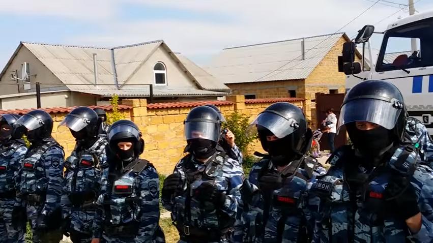 Обшук в домах кримських татар, лютий 2016 року