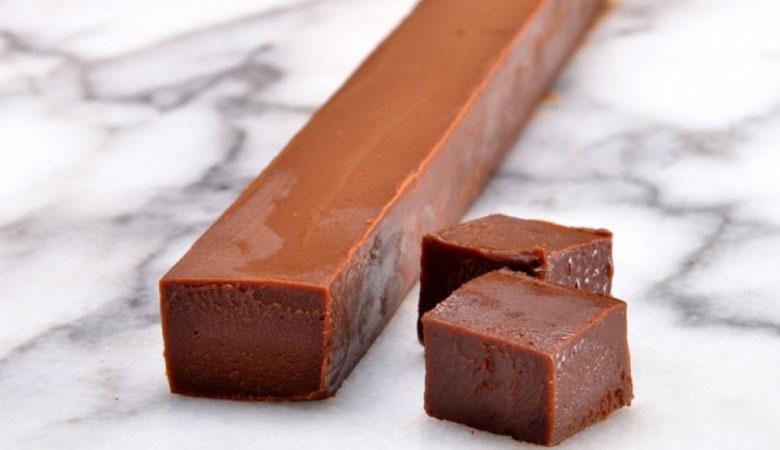 濃厚な口溶け!生チョコロールケーキ!