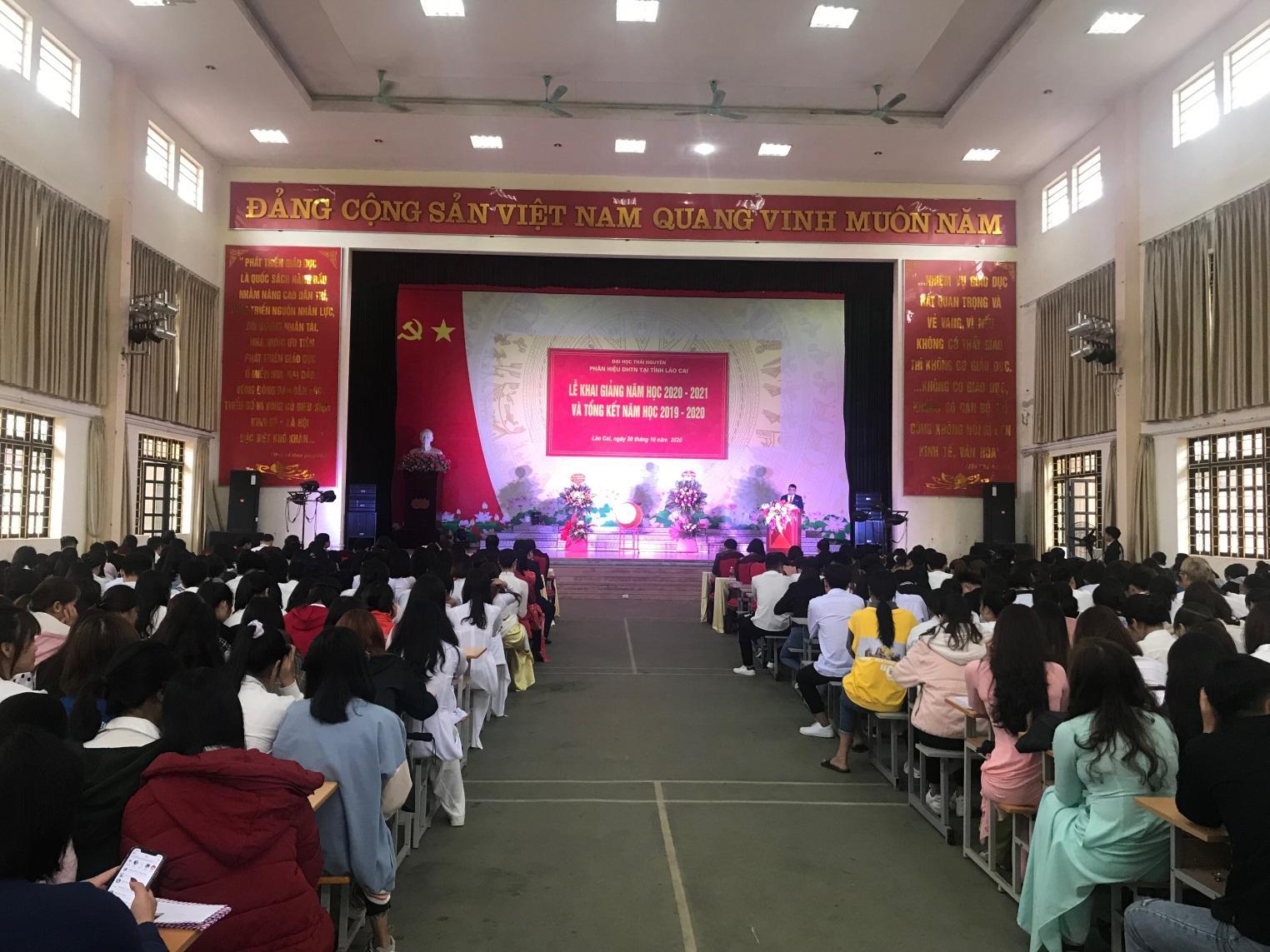 Phân hiệu Đại học Thái Nguyên tại tỉnh Lào Cai  Tổ chức Lễ khai giảng năm học 2020- 2021, tổng kết năm học 2019-2020 và phát động ủng hộ đồng bào Miền Trung