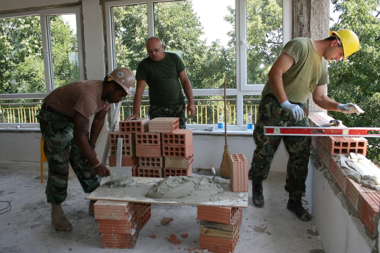 US,_Bulgarians_renovate_kindergarten.JPG