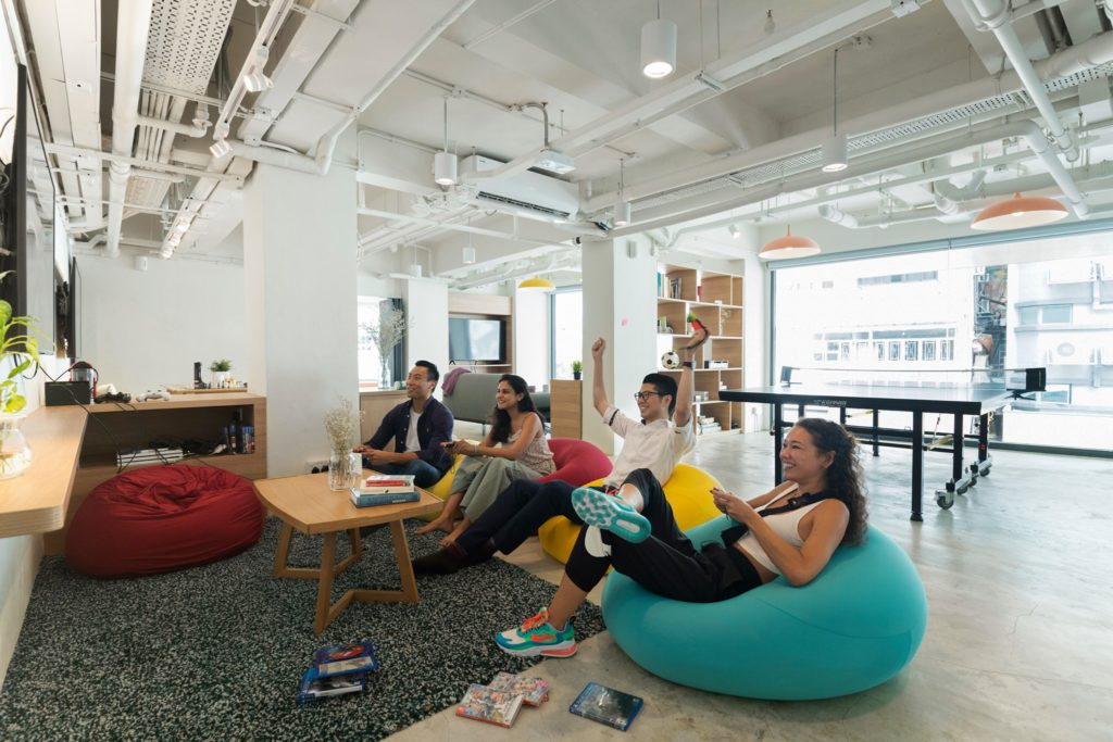 Coworking space di Gading Serpong: Weave Co.