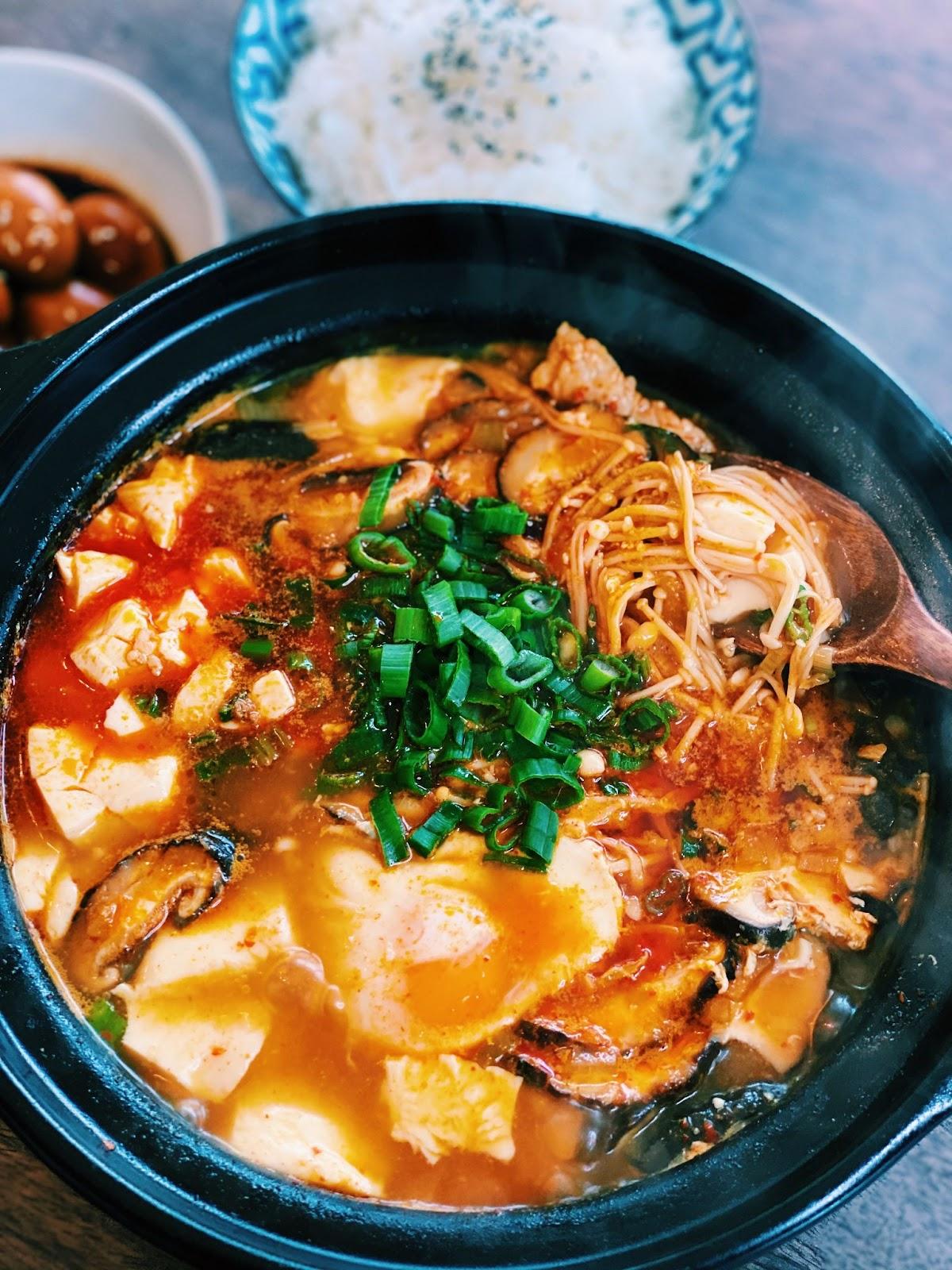Korean Spicy Soft Tofu Stew - Sundubu Jjigae (Itaewon Class)