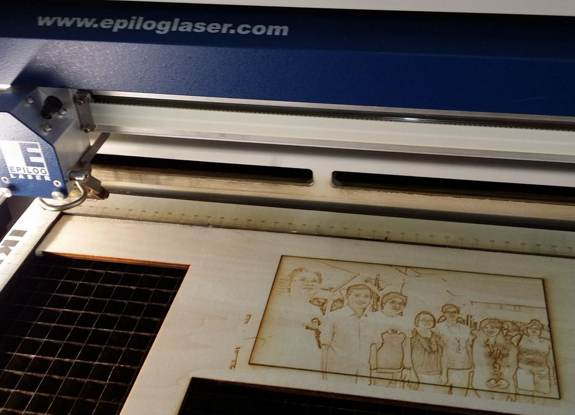 shinajaran: Engrave photo on wood with a laser cutter