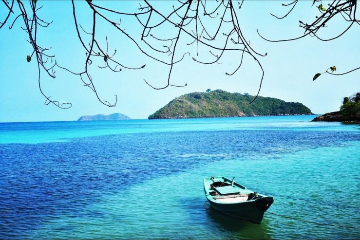 Beach on Nam Du island