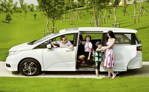 Kết quả hình ảnh cho trend thuê xe du lịch có người lái