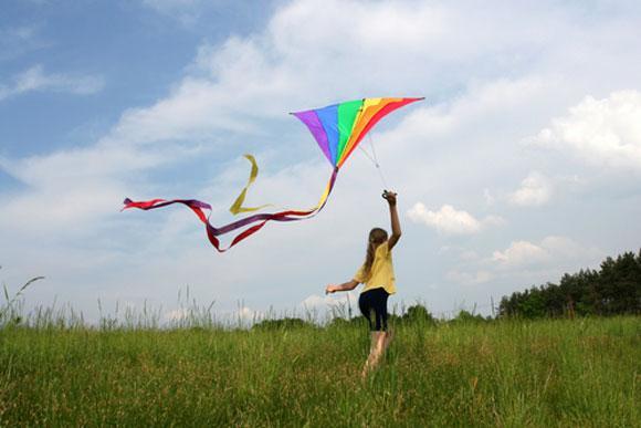 C:\Users\Francesc\Desktop\kite_girl.jpg