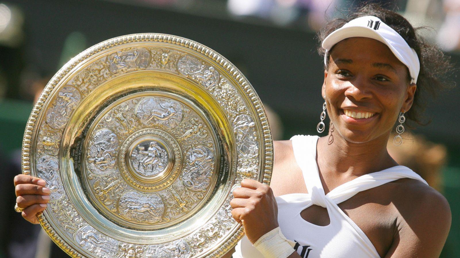 Venus Williams là tay vợt nữ đầu tiên giành được số tiền thưởng bằng với các tay vợt nam tại Wimbledon