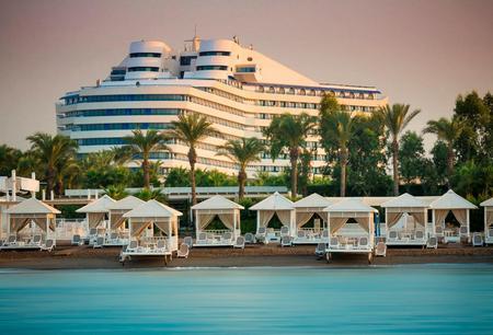 titanic hotel lara.jpg