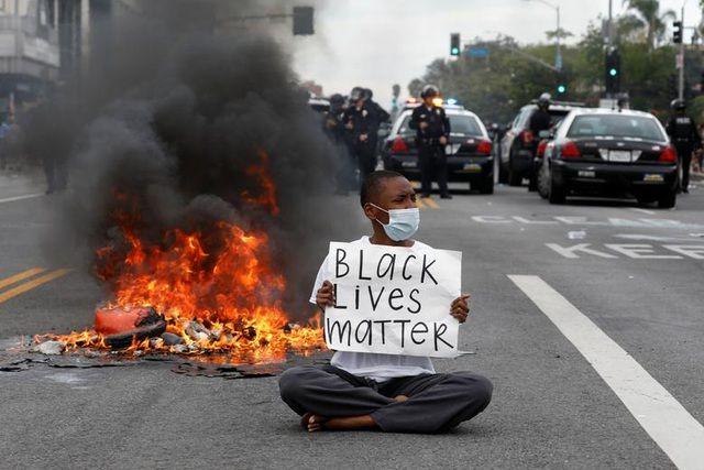 Sự rỗng tuếch trong nền văn hóa người da đen là gốc rễ của bạo loạn - Ảnh 1