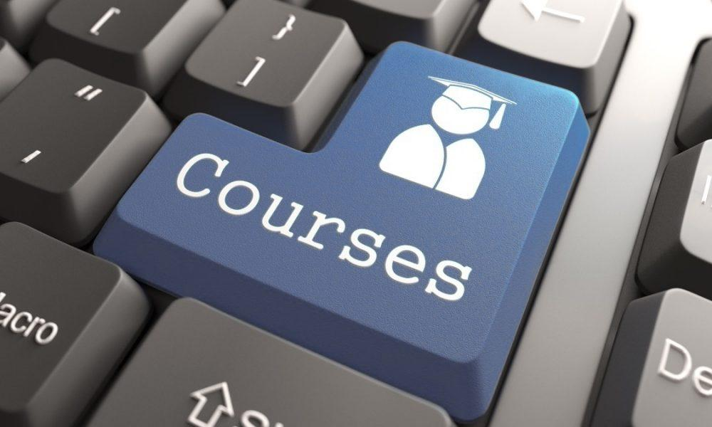 Must considerations for students while selecting an online course