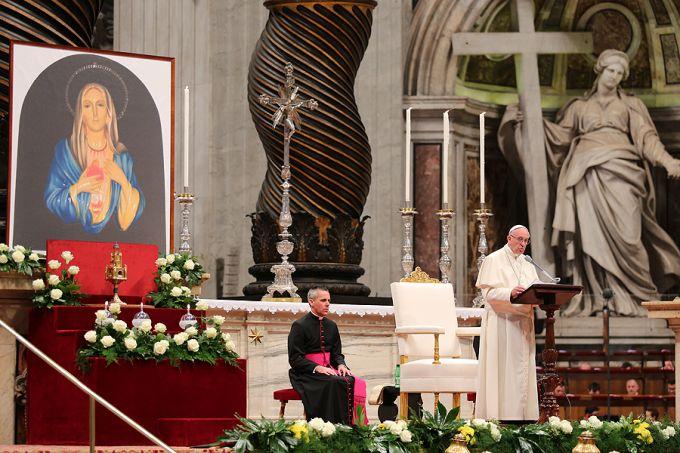Đức Thánh Cha Phanxico trong buổi canh thức cầu nguyện