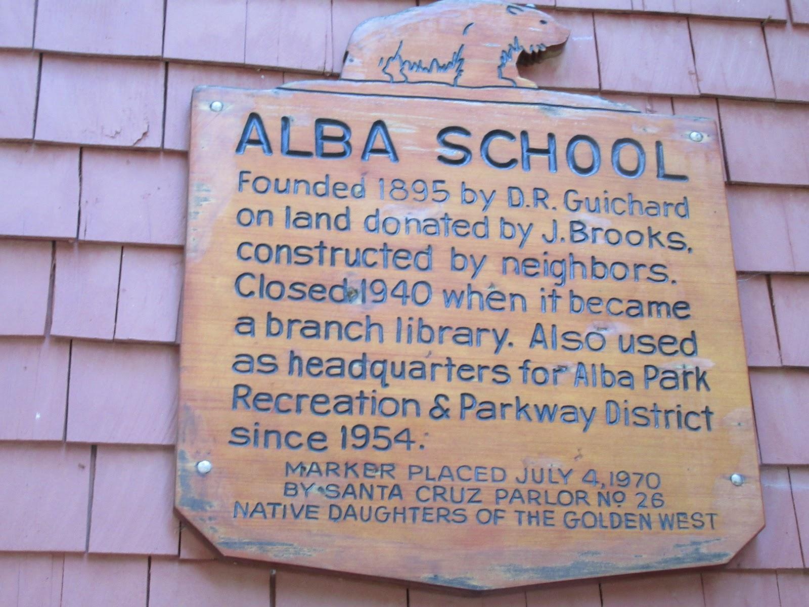 Sign on Alba School , Ben Lomond