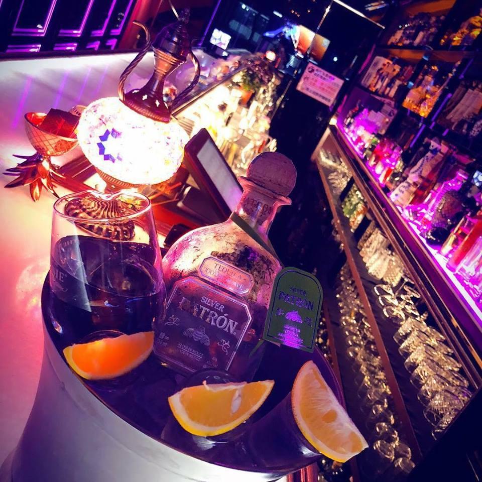 top-tequila-destinations-salud-bar
