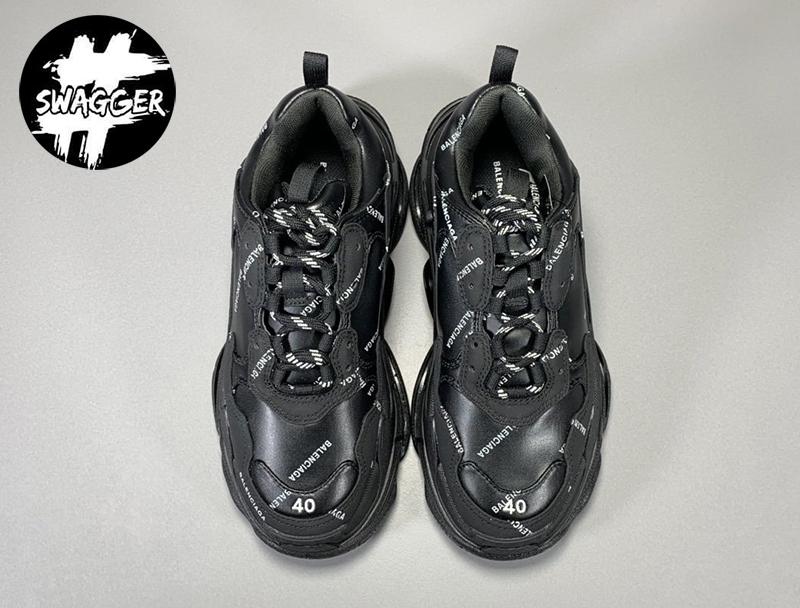Giày balenciaga triple s Allover Logo Black được làm từ chất liệu da