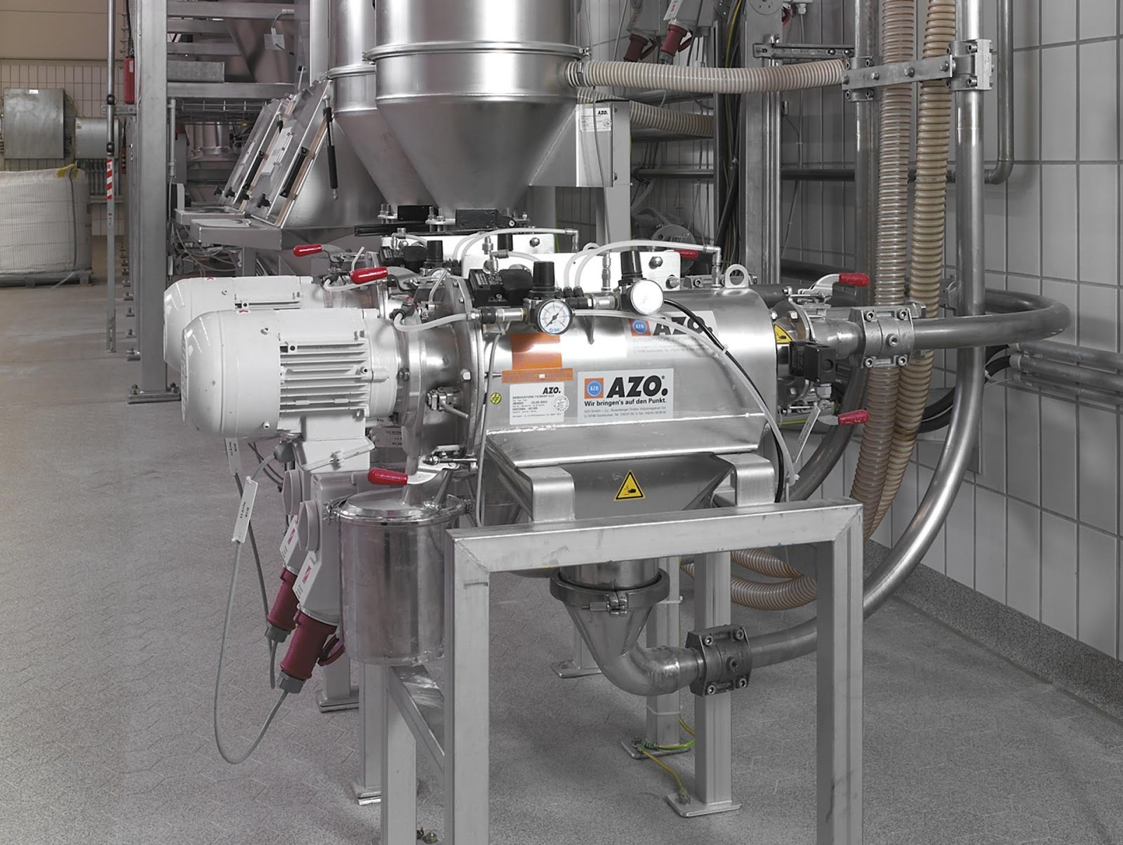 azo pneumatic conveying screener in a flour production facility