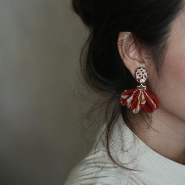 品品市集-刺繡耳環