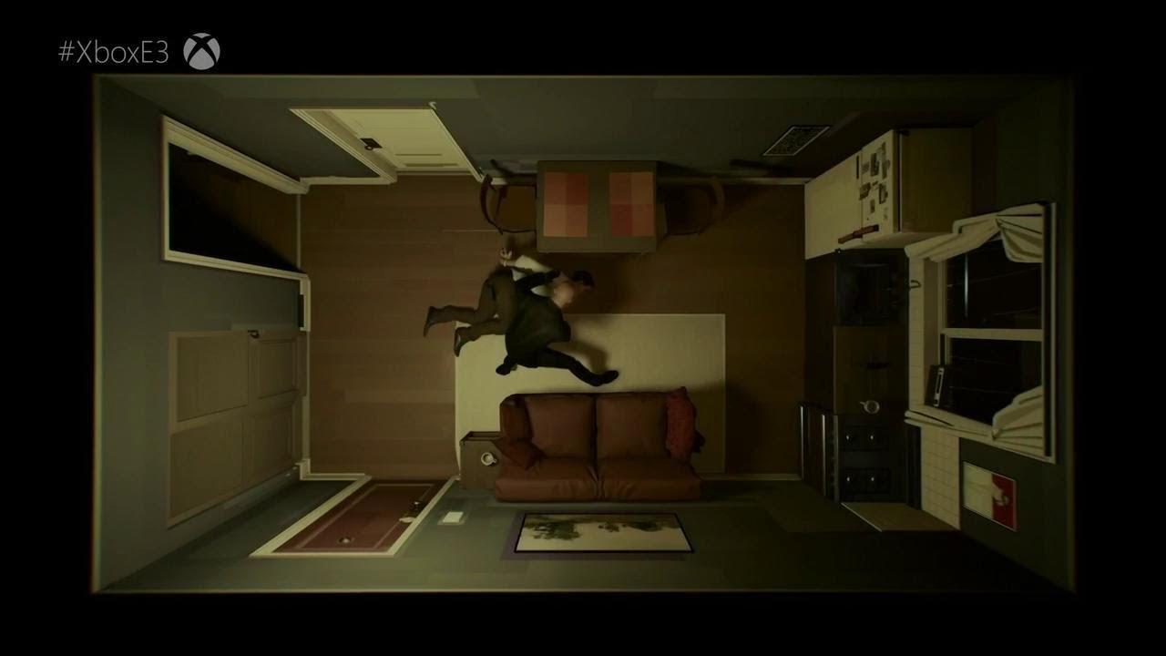Deux personnes allongées sur le sol dans leur appartement