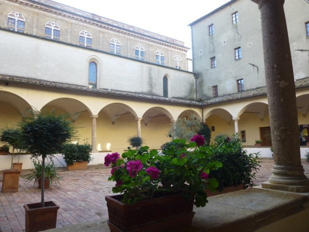 C:\Users\Gonzalo\Desktop\Documentos\Fotografías\La Toscana\103_PANA\103_PANA\P1030465.JPG
