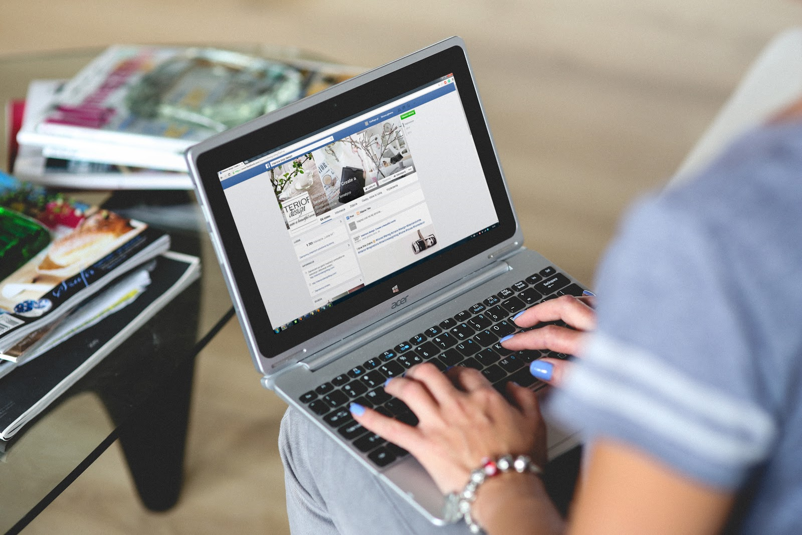 Best Tips for writing engaging social media posts. Can you outsource it?