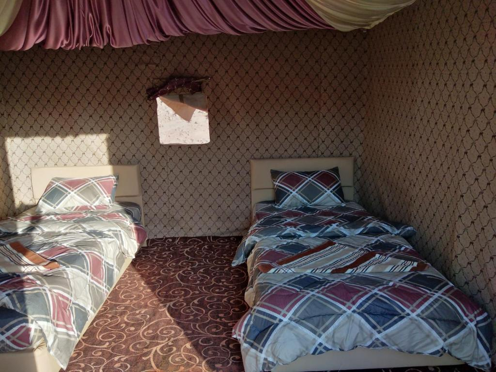 Alojamiento económico Wadi Rum Legend Camp para dormir en el desierto