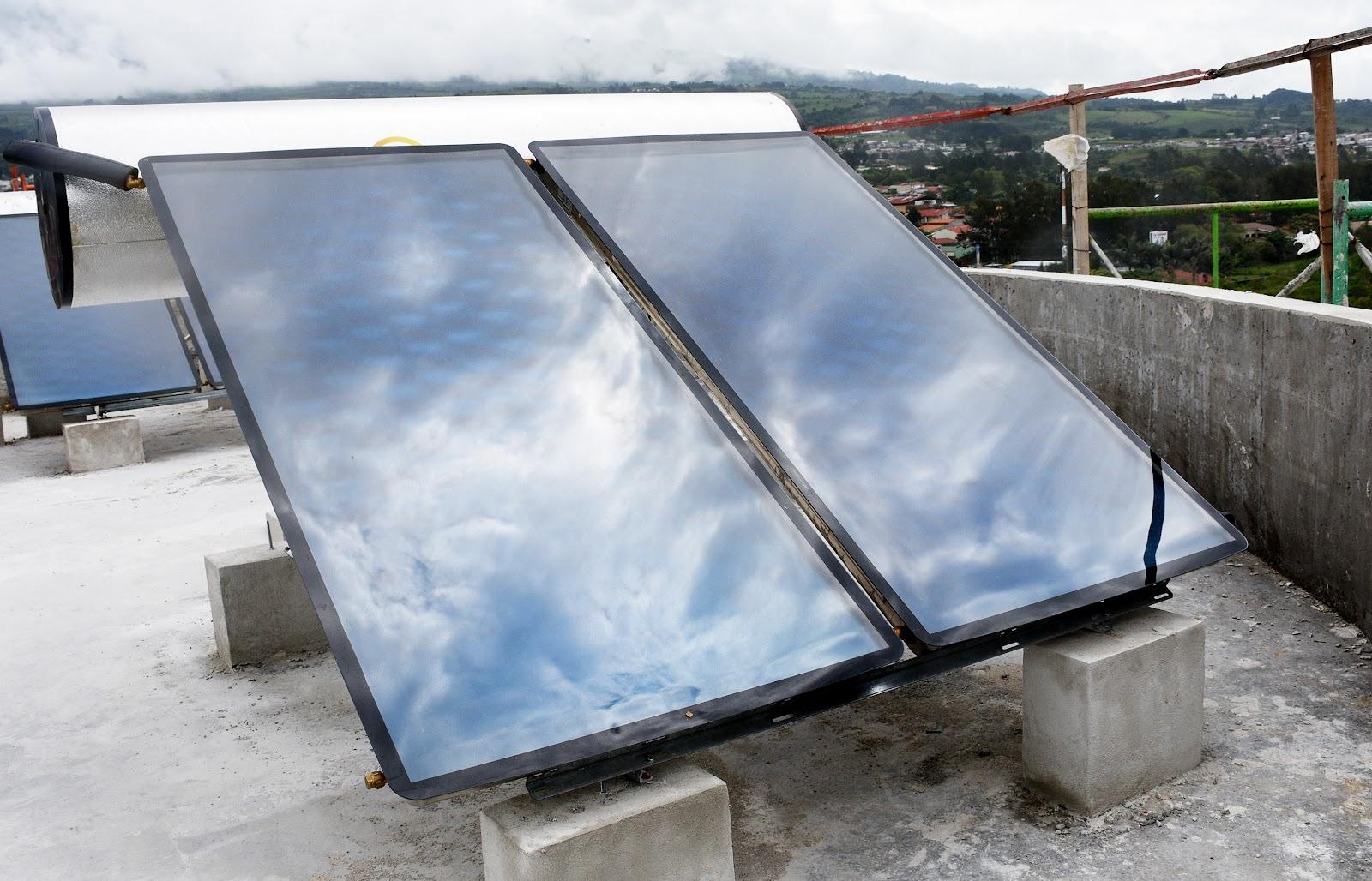 """La puesta en marcha de una """"granja solar"""" y de paneles en los nuevos edificios financiados con el préstamo del Banco Mundial, son parte de las acciones de mejora en pro del cambio climático (Foto:Ruth Garita/OCM)"""
