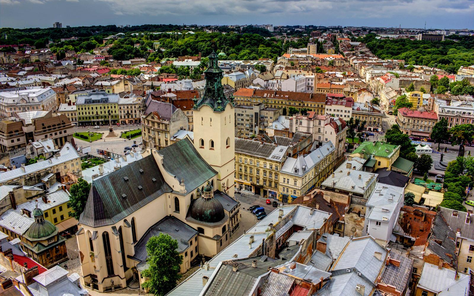 Популярные развлечения Львова и Киева