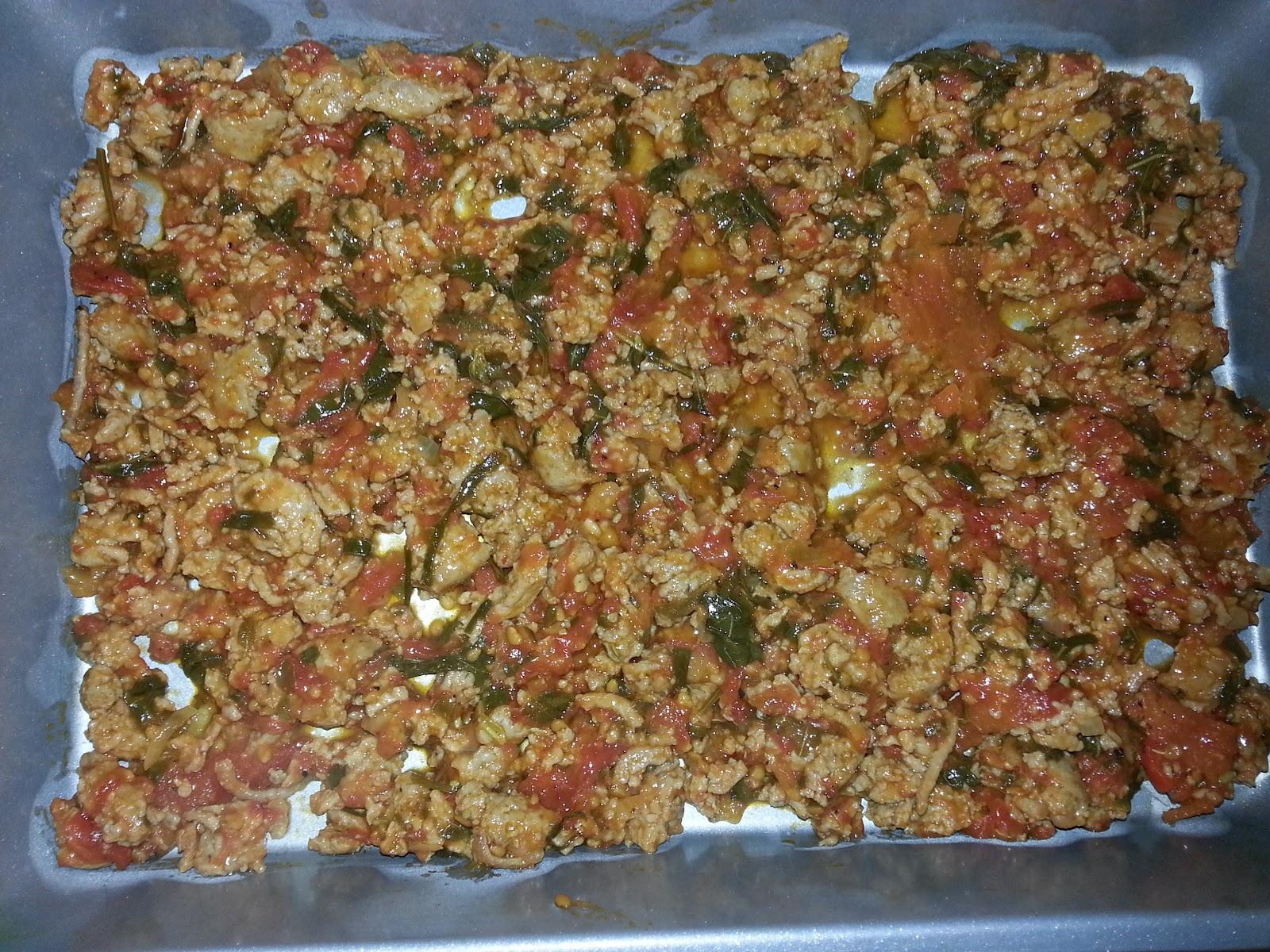 lasagna meat and sauce layer