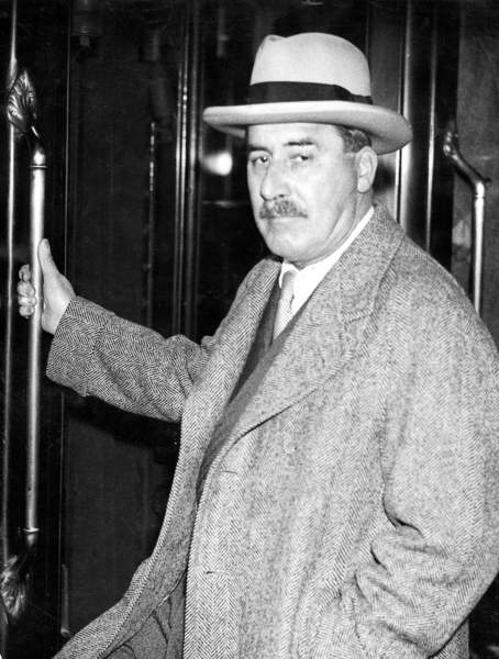 Image of London, England, Great Britain Howard Carter (1873-1939), British archaeologist, is on his way to Egypt again. The photo was taken in 1934 at Victoria Station in London. Howard Carter, 1934, © SZ Photo / Scherl / Bridgeman Images