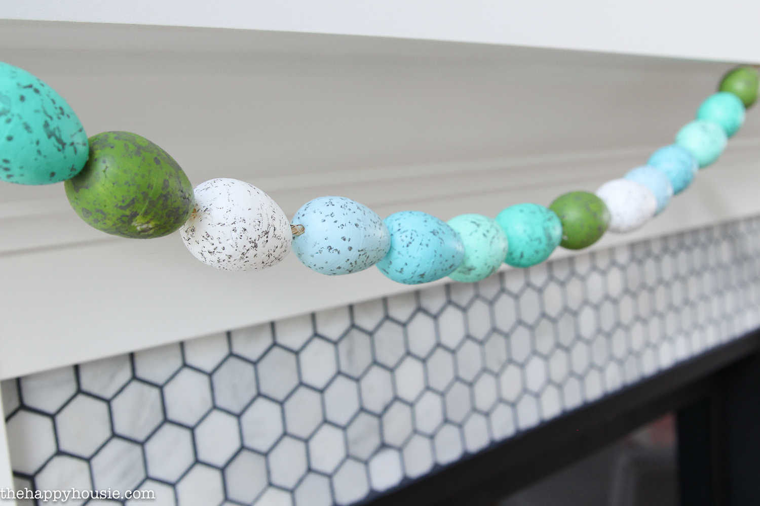DIY Speckled Easter Egg Garland