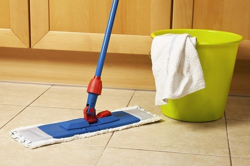 How is porcelain tiles washed?