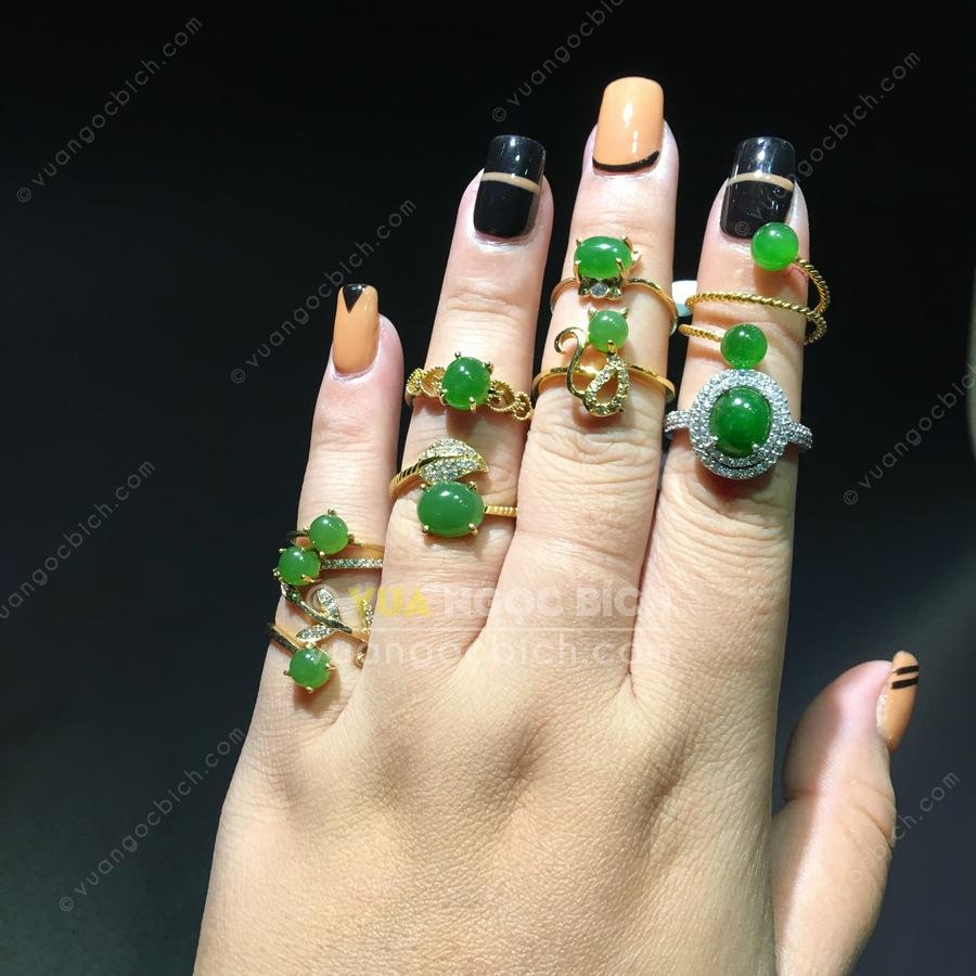 Nhẫn nữ ngọc bích: thời trang, phong thuỷ