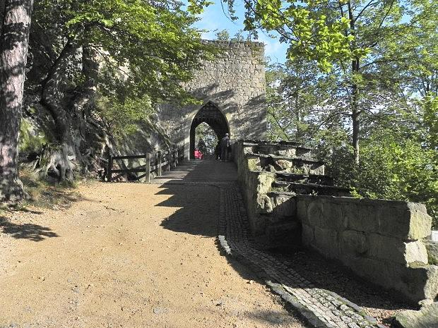 Oybin, první hradní brána