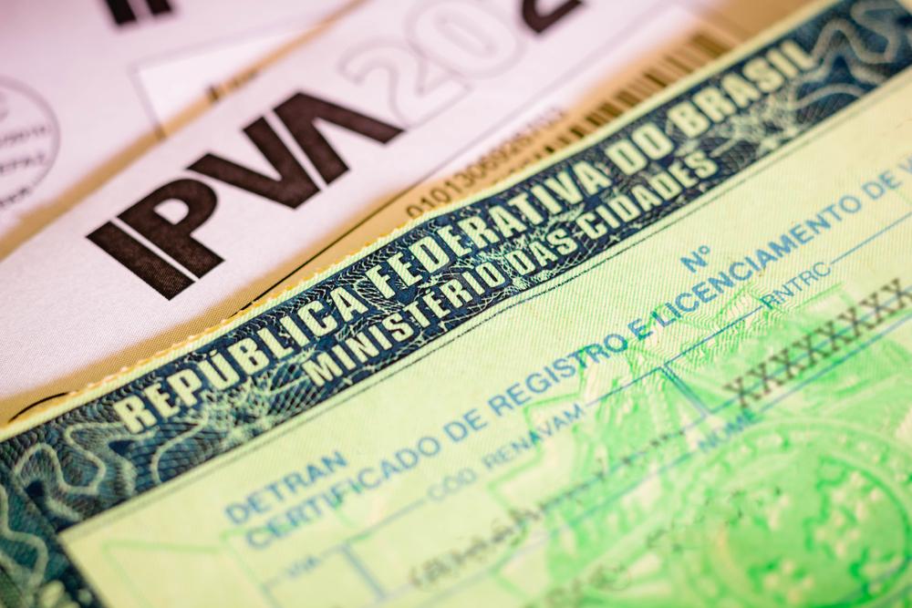Obtenção de isenção de impostos requer uma maratona burocrática. (Fonte: Shutterstock/rafapress/Reprodução)