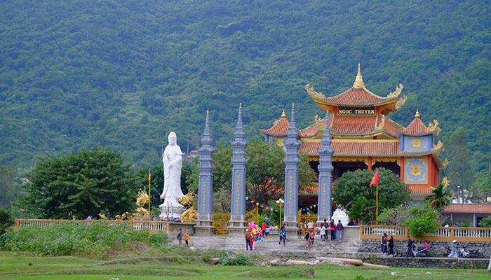 Chùa Hỉa Tạng - Cẩm nang du lịch Cù Lao Chàm đầy đủ nhất từ TourSelf - 7
