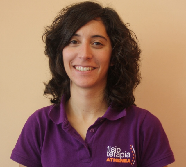 Laura Flores, Fisioterapeuta