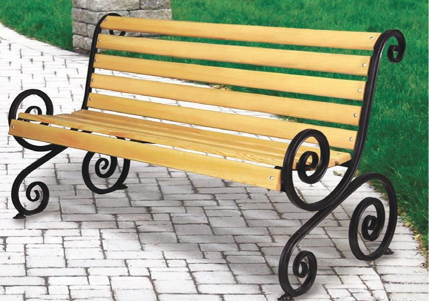 Кованая скамья, которую трудно сдвинуть с места или сломать