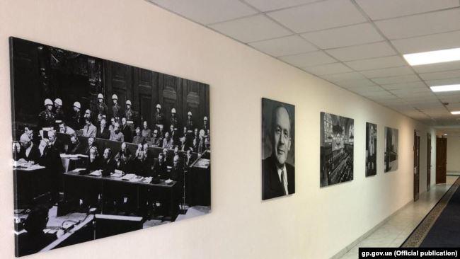 В коридорі Офісу генпрокурора України
