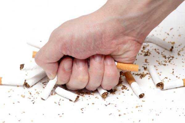 Khuyên bệnh nhân bỏ thuốc lá