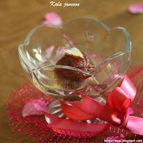 Stuffed gulab jamoon