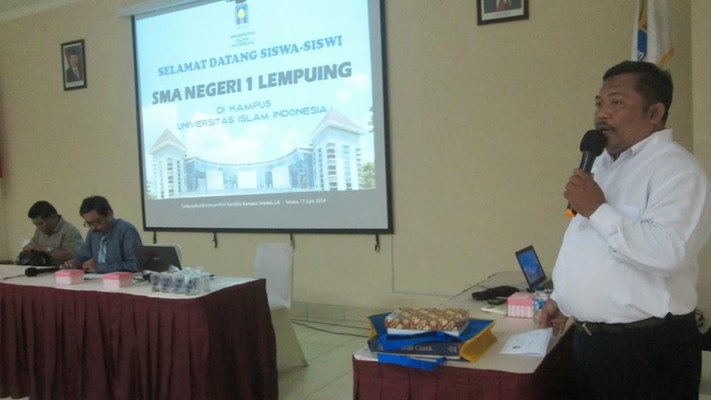 Penyambutan SMAN 1 Lempuing di GKU Prof. dr. Sardjito, M.P.H.