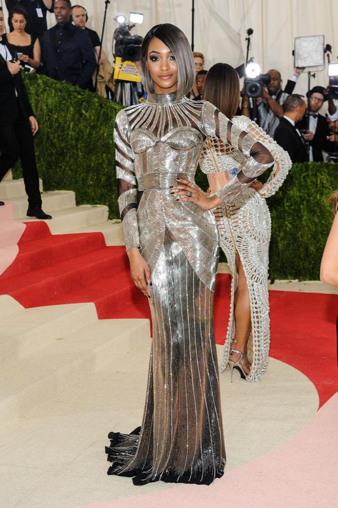 xjourdan-dunn-at-the-met-gala-9ec2bbe01e0dca3fd4dababcb0b6fbc.jpg.pagespeed.ic.UGntljFFg9.jpg